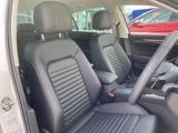 運転席のシートは適度なホールド感で運転による疲労を軽減!