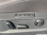 運転席にはパワーシートを装備。