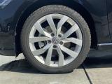 225/45R17タイヤ。17インチの純正アルミホイールです。