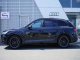 アウディ Q7 ブラック スタイリング 4WD