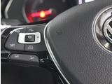 クルーズコントロールとレーダーセンサーを組み合わせたアダプティブクルーズコントロール「ACC」。設定されたスピードで走行しますが、先行車との距離を計測して自動で加減速して一定の車間距離を保ちます。