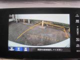 リヤカメラ画像です。ガイドラインがハンドルと連動して動きますので、車の向きがわかりやすく、狭い駐車場でも大変便利です。