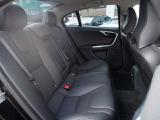 (2016年モデル)S60 D4 SE トランクスポイラー装着車です。
