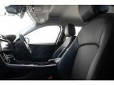 車速感応式電動パワーステアリングホイールが最適なフィードバックとコントロール性能を発揮いたします。