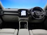 ボルボ XC40 T4 AWD インスクリプション 4WD