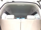 上質で居心地の良い空間。    ※ あんしんパッケージ(衝突被害軽減ブレーキ、前席用i-サイドエアバッグ、サイドカーテンエアバッグ)とのセットで安全・安心感を高めます。