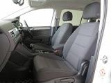 ゆったりと座れるコンフォートシートは長時間の移動も疲れにくく、快適なドライブが楽しめます♪