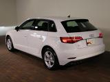 Audi専任メカニックが100項目にも及ぶ点検を実施いたします。弊社はAudiテクニカルマイスターも在籍しております