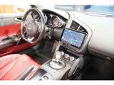 アウディ R8スパイダー 5.2 FSI クワトロ 4WD