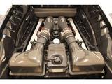 カーボンを多用したエンジンエリア
