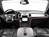 キャデラック エスカレード AWD 4WD