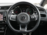 現在お乗りのお車の下取査定も実施致しております。車種、年式、距離、色等をお聞かせ下さい。 TEL 076-425-1500 担当:坂口(サカグチ)・斉城(サイキ)