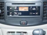 CDとラジオです。ボタンも少なく操作は簡単です。