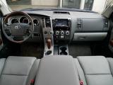米国トヨタ セコイア プラチナム 5.7 V8 4WD