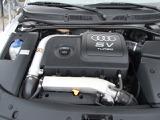 5バルブ1.8L直4ターボエンジンが搭載されております。