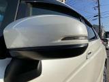ドアミラーウインカーは視認性が高く安全性が高まります。