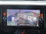 アラウンドビュ-モニタ-で空の上から見下ろすような視点でスム-ス駐車