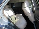 後部座席もゆったりとしたシートになっているので長時間のドライブでも快適に過ごすことができます。