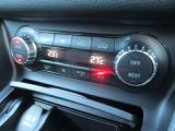 左右別々で温度調整が可能なオートエアコンです。