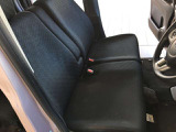 長時間ドライブにも疲れにくいシート!