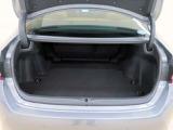 ■リアシートを倒せばラゲージスペースが広く確保でき、長い荷物も積み込めます!