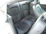 2つの素材を組み合わせたシートが採用されております。たばこ臭は最大限取り除かせていただきます。