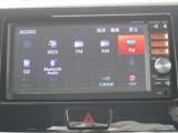 ブルートゥース接続・DVDビデオ再生機能・TV・ラジオ視聴・SDカードへのCD音楽録音が可能です。(MP313D-W)