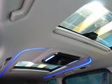 解放感溢れる【サンルーフ】☆車内には爽やかな風や太陽の穏やかな光が差し込みます☆