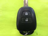 ★キ-レスエントリ-★リモコンでドアが開閉が出来るスイッチが付いています。