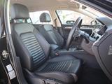 ナパレザーのコンフォートシートが装着されます。シートヒーターに加えてシートベンチレーション機能も装着され、一年を通して快適なドライブが楽しめます。
