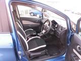 ホールドの良いフロントシートでロングドライブも快適。
