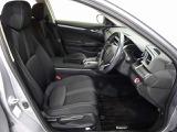 座り心地の良い運転席、助手席です。長時間ドライブの疲れ軽減に貢献します。どうぞ快適なドライブを♪
