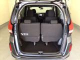 開口部も広く荷物の積み下ろしもしやすいお車となっております。