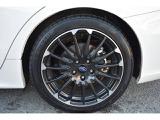 18インチアルミホイール・タイヤサイズは225/45R18