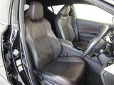 フロントシートにはシートヒーター装備!!寒い冬の朝には必需品!一度使うと次の車にも欲しくなっちゃいます♪