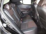 車内を徹底的にクリーンアップ。より清潔な車内を目指しています。