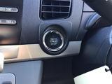 エンジン始動はブレーキを踏みながらこのスイッチを押すだけです!とても簡単です♪