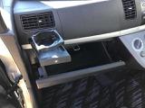 グローブボックスです♪助手席にもドリンクホルダーがあります♪
