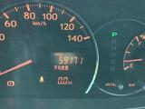 """現在の走行距離です♪また、メーター内には、""""平均燃費""""や次回給油までの距離をお知らせする""""航続可能距離""""など、走行に役立つ様々な情報が表示されます♪"""
