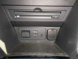 CD&DVD再生機能付きデッキが装備されてます。