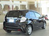ガイドライン付のリアカメラを装備していますのでご自宅の車庫や慣れない場所での駐車も安心です!