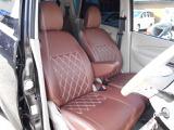 社外シートカバーも大きな汚れ、破れもなく状態良好です。白内装にマッチしててスタッフもお気に入りの一台です。