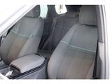 高い着座位置で車との一体感を生むポジションドライビングコマンド スポーツ採用のフロントシート