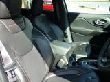 クライスラー ジープ・チェロキー トレイルホーク 4WD
