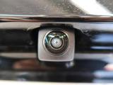 ●【バックカメラ】ナビに接続するだけで使用可能です。バックカメラで後退時の安全性も高いです☆運転が不安な方も安心ですね♪