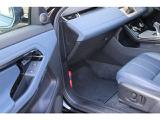 メーカーオプション:「14ウェイ・パワーシート(全席ヒーター付)」(¥264,000)。メーカーオプション:「ドライブ・プロパック」(¥113,000)。
