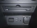 CD/DVDプレーヤー始め、充電可能なUSBジャックやAUXジャック、Bluetooth接続による音楽再生もお楽しみ頂けます。