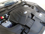 ◆3.0L V型6気筒DOHCエンジン+ターボ ◆340ps/6,400rpm:45.9kgm/5,300rpm(カタログ値)