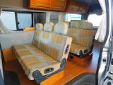 シートは2列共にFASPシートを使用 前向き・後ろ向き・ベッドへと展開が可能