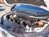 エンジンルーム・2000CCアトキンソンサイクルDOHC-i-VTECエンジン&2モーターハイブリッドシステムのエンジンルーム